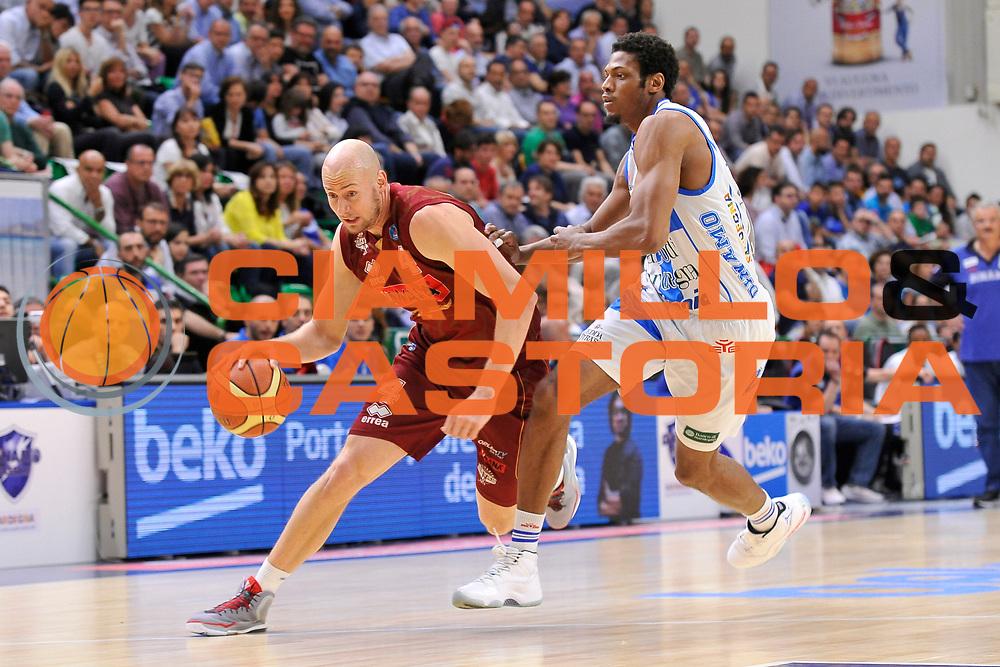 DESCRIZIONE : Campionato 2014/15 Dinamo Banco di Sardegna Sassari - Umana Reyer Venezia<br /> GIOCATORE : Hrvoje Peric<br /> CATEGORIA : Palleggio Penetrazione<br /> SQUADRA : Umana Reyer Venezia<br /> EVENTO : LegaBasket Serie A Beko 2014/2015<br /> GARA : Dinamo Banco di Sardegna Sassari - Umana Reyer Venezia<br /> DATA : 03/05/2015<br /> SPORT : Pallacanestro <br /> AUTORE : Agenzia Ciamillo-Castoria/C.Atzori