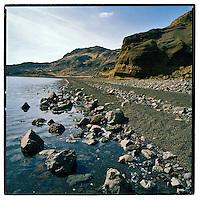 The shore at lake at Kleifarvatn in Iceland. Ströndin við Kleifarvatn, Reykjanesi.