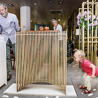 Nederland, Haarlem, 15 juli 2016.<br /> Oude V&amp;D-gebouw Haarlem opent haar deuren voor experimenteel warenhuis.<br />Het oude V&amp;D-gebouw in Haarlem heeft een nieuwe bestemming gevonden. De bovenste verdieping kwam afgelopen maand in het nieuws doordat huurders zich konden melden bij verhuurder Camelot Europe. Het winkel en keldergedeelte wordt 15 juli 2016 geopend door locoburgemeester Joyce Langenacker. Gather, het warenhuis van de kleinschalige maakindustrie en innovatieve merken neemt deze maand samen met handenvol creatieven haar intrek in het winkelgedeelte op de onderste twee verdiepingen. Initiatiefnemer Danny van Heusden ziet het V&amp;D-gebouw als een experiment richting een volgende stap. Het warenhuis heeft sinds begin deze maand de sleutels en is gestart met de verbouwing.<br /><br /><br /><br />Foto: Jean-Pierre Jans