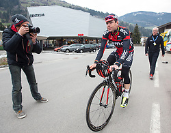 17.04.2013, Hauptplatz, Sillian, AUT, Giro del Trentino, Etappe 2, Sillian nach Bozen, im Bild Evans Cadel (BMC Racing Team) // during the 2nd stage, Sillian to Bolzano of the Giro del Trentino at the Hauptplatz, Lienz, Austria on 2013/04/17. EXPA Pictures © 2013, PhotoCredit: EXPA/ Johann Groder