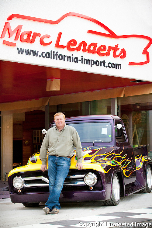 367889-Marc Lenaerts van California-import Cars-Opendeurdag-Olenseweg 382 Oosterwijk