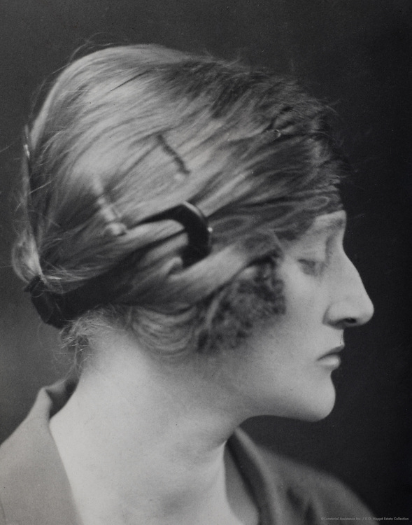 Dorothy Violet Wellesley, Duchess of Wellington, England, UK, 1922