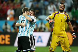 09.07.2014, Arena de Sao Paulo, Sao Paulo, BRA, FIFA WM, Niederlande vs Argentinien, Halbfinale, im Bild vl. Jubel bei Argentinien. Sergio Romero (right), Lionel Messi (center) and Lucas Biglia (left) feiern den Einzug ins WM Finale 2014 // during Semi Final match between Netherlands and Argentina of the FIFA Worldcup Brazil 2014 at the Arena de Sao Paulo in Sao Paulo, Brazil on 2014/07/09. EXPA Pictures © 2014, PhotoCredit: EXPA/ Eibner-Pressefoto/ Cezaro<br /> <br /> *****ATTENTION - OUT of GER*****