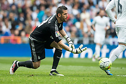 09.04.2016, Estadio Santiago Bernabeu, Madrid, ESP, Primera Division, Real Madrid vs SD Eibar, 32. Runde, im Bild Real Madrid's Kiko Casilla // during the Spanish Primera Division 32th round match between Real Madrid and SD Eibar at the Estadio Santiago Bernabeu in Madrid, Spain on 2016/04/09. EXPA Pictures © 2016, PhotoCredit: EXPA/ Alterphotos/ Borja B.Hojas<br /> <br /> *****ATTENTION - OUT of ESP, SUI*****