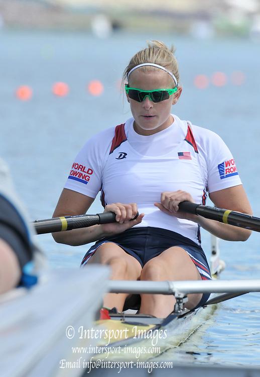 Hamilton, NEW ZEALAND.  USA  W1X Lindsay MEYER, at the start of the women's single sculls. 2010 World Rowing Championship on Lake Karapiro Monday 01.11.2010. [Mandatory Credit Peter Spurrier:Intersport Images].