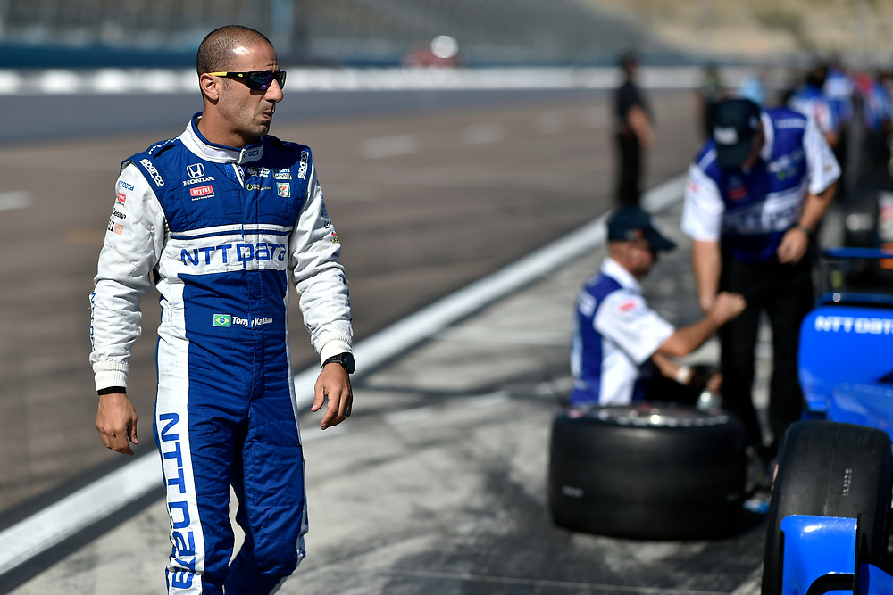 Verizon IndyCar Series<br /> Desert Diamond West Valley Phoenix Grand Prix<br /> Phoenix Raceway, Avondale, AZ USA<br /> Friday 28 April 2017<br /> Tony Kanaan, Chip Ganassi Racing Teams Honda<br /> World Copyright: Scott R LePage<br /> LAT Images<br /> ref: Digital Image lepage-170428-phx-1156