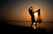 pescador no rio araguaia em concei