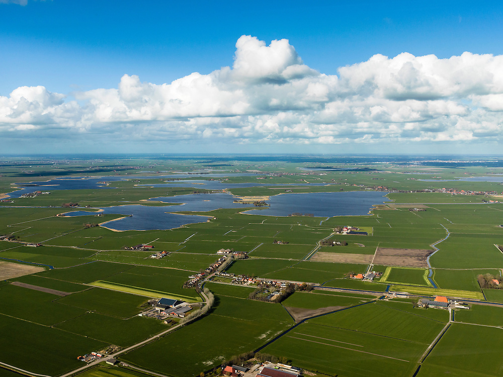 Nederland, Friesland, Gemeente Sudwest-Fryslan (Zuidwest-Friesland), 16-04-2012. 'It Lege Midden' (het lage midden). Dorp It Heidenskip.in de polder en streek Het Heidenschap. Zandmeer en Groote Gaastmeer..Typical Frisian countryside: lakes, sparse farms in the polders, meadows..luchtfoto (toeslag), aerial photo (additional fee required);.copyright foto/photo Siebe Swart
