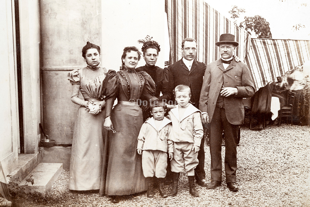 family posing for a picture ca 1930s