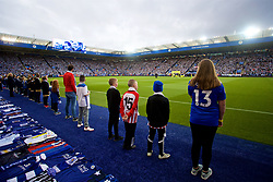 LEICESTER, ENGLAND - Saturday, November 10, 2018: Leicester City supporters pay tribute to the club's chairman Vichai Srivaddhanaprabha, who died in a helicopter crash on Oct 27, before the FA Premier League match between Leicester City FC and Burnley FC at the King Power Stadium. (Pic by David Rawcliffe/Propaganda)
