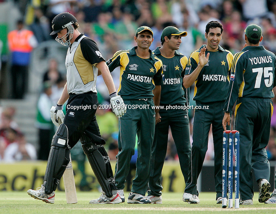 Pakistan's Umar Gul celebrates taking another wicket during the ICC World Twenty20 Cup match between the New Zealand Black Caps and Pakistan at the Oval, London, England, 13 June, 2009. Photo: PHOTOSPORT
