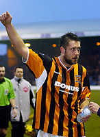 Photo: Leigh Quinnell.<br /> Luton Town v Hull City. Coca Cola Championship. 04/02/2006. Hull goal scoreer Jon Parkin thanks the fans after the game.