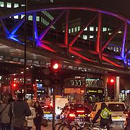 London. UK under the London bridge railway line / sous le pont du chemin de fer de London bridge Londres . Grande Bretagne
