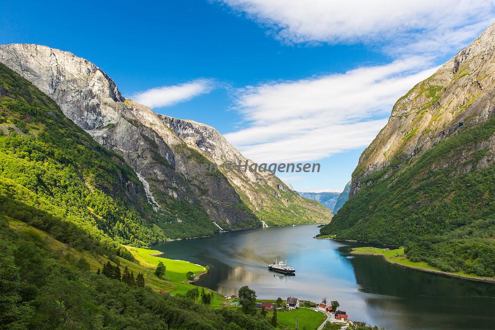 The Nærøyfjord from RImstigen. Breiskrednosi to the left