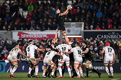 Tom Ellis of Bath Rugby wins the ball at a lineout - Mandatory byline: Patrick Khachfe/JMP - 07966 386802 - 18/01/2020 - RUGBY UNION - Kingspan Stadium - Belfast, Northern Ireland - Ulster Rugby v Bath Rugby - Heineken Champions Cup