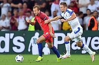 2016.06.20 Saint-Etienne<br /> Pilka nozna Euro 2016<br /> mecz grupy C Slowacja - Anglia<br /> N/z Harry Kane Milan Skriniar<br /> Foto Lukasz Laskowski / PressFocus<br /> <br /> 2016.06.20 Saint-Etienne<br /> Football UEFA Euro 2016 group C game between Slovaki and England<br /> Harry Kane Milan Skriniar<br /> Credit: Lukasz Laskowski / PressFocus