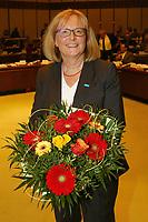 Ludwigshafen. 11.12.17 | <br /> Die Mitglider des Ludwigshafener Stadtrats w&auml;hlen die neuen B&uuml;rgermeister (Dezernenten)<br /> - Die st&auml;dtische Bereichsleiterin Beate Steeg (SPD) ist zur neuen Sozialdezernentin vom Stadtrat gew&auml;hlt worden.<br /> Bild: Markus Prosswitz 11DEC17 / masterpress (Bild ist honorarpflichtig - No Model Release!) <br /> BILD- ID 01382 |