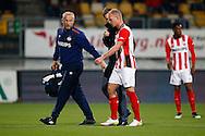 16-04-2016 VOETBAL:RODA JC - PSV:KERKRADE<br /> Jorrit Hendrix van PSV moet geblesseerd van het veld af<br /> Foto: Geert van Erven