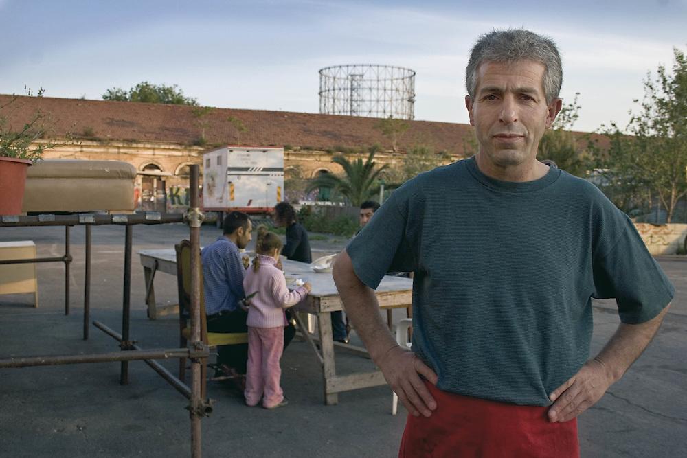 Rifugiato Kurdo vive nel centro sociale di prima accoglienza Ararat a Roma.<br /> Nel suo paese Muslum era un cuoco.