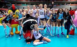 17-05-2016 JAP: OKT Thailand - Nederland, Tokio<br /> Nederland verslaat Thailand met klinkende cijfers 3-0 en is weer op koers voor Rio / Team Nederland is blij met de overwinning
