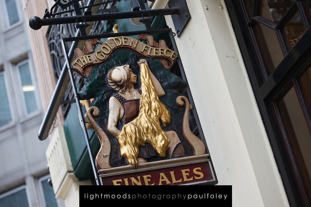 The Golden Fleece Pub, London, England