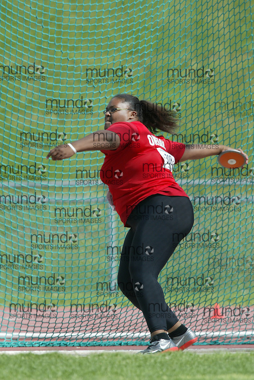 (Sherbrooke, Quebec -- 8 Aug 2009)  Rayann Chin of Ontario competes in girls under-17 (youth) discus final at the 2009 Royal Canadian Legion National Youth track and field championships. Photograph copyright Sean Burges / Mundo Sport Images  2009.