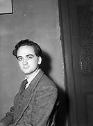 28/05/1954<br /> 05/28/1954<br /> 28 May 1954<br /> Persons at Offig Indiu, Irish language newspaper, Talbot Street, Dublin.