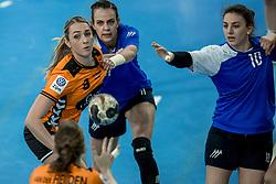 23-11-2017 NED: Nederland - Italie, Eindhoven<br /> Uitzwaaiduel Oranje in een volgepakt Topsportcentrum in Eindhoven tegen Italie wordt met ruime cijfers gewonnen 41-16 / Lois Abbingh #8 of Netherlands