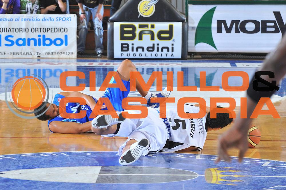 DESCRIZIONE : Ferrara Lega A 2009-10 Basket Carife Ferrara NGC Cant&ugrave;<br /> GIOCATORE : Daniel Farabello<br /> SQUADRA : Carife Ferrara<br /> EVENTO : Campionato Lega A 2009-2010<br /> GARA : Carife Ferrara NGC Cant&ugrave;<br /> DATA : 20/12/2009<br /> CATEGORIA : Equilibrio<br /> SPORT : Pallacanestro<br /> AUTORE : Agenzia Ciamillo-Castoria/M.Gregolin<br /> Galleria : Lega Basket A 2009-2010 <br /> Fotonotizia : Ferrara Campionato Italiano Lega A 2009-2010 Carife Ferrara NGC Cant&ugrave;<br /> Predefinita :