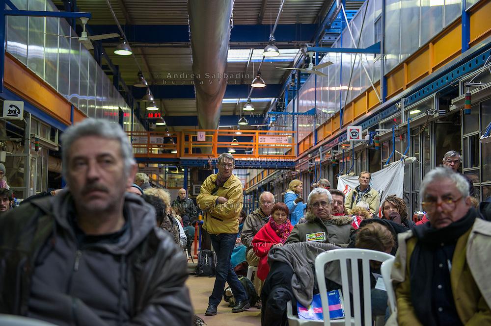 Gemenos, Bocche del Rodano, (Marsiglia), 31/01/2014: Il primo Incontro Europeo &ldquo;L'economia dei lavoratori&rdquo; nella fabbrica della Fralib, azienda occupata dai lavoratori in difesa del loro posto di lavoro. First European meeting in the occupied Fralib factory.<br /> &copy; Andrea Sabbadini