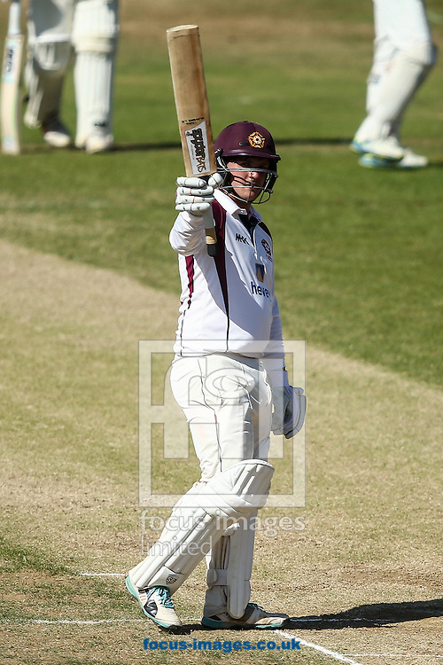 Rob Newton of Northamptonshire CCC acknowledges the applause on reaching 150 runs not out during the Specsavers County C'ship Div Two match at the County Ground, Northampton<br /> Picture by Andy Kearns/Focus Images Ltd 0781 864 4264<br /> 15/08/2016