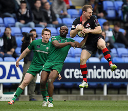Edinburgh's Greig Tonks wins the ball ahead of London Irish's Topsy Ojo - Photo mandatory by-line: Robbie Stephenson/JMP - Mobile: 07966 386802 - 05/04/2015 - SPORT - Rugby - Reading - Madejski Stadium - London Irish v Edinburgh Rugby - European Rugby Challenge Cup