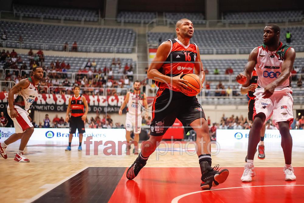 Olivinha (e) durante partida entre Flamengo x Aguada-URU  válida pela semi final da final four 2014 da Liga das Américas realizada no ginásio do maracanãzinho, zona norte da cidade, Rio de Janeiro, RJ.