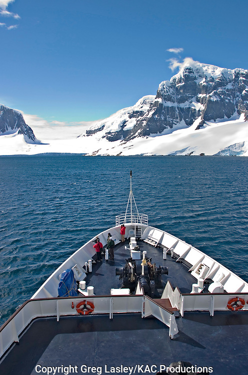 Clipper Adventurer.Lemaire Channel,.Antarctica.25 December 2003