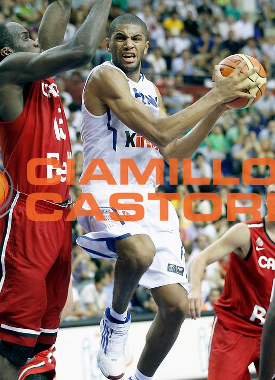 DESCRIZIONE : Championnat Du Monde 2010 Turquie Izmir Tour Preliminaire <br /> GIOCATORE : Batum Nicolas<br /> SQUADRA : France<br /> EVENTO : Championnat du monde 2010<br /> GARA : France Canada<br /> DATA : 31/08/2010<br /> CATEGORIA : Basketball Action Homme<br /> SPORT : Basketball<br /> AUTORE : JF Molliere FFBB par Agenzia Ciamillo-Castoria <br /> Galleria : France Basket Championnat du monde 2010<br /> Fotonotizia : Championnat du monde Turquie Izmir Tour Preliminaire Jour 4 <br /> Predefinita :