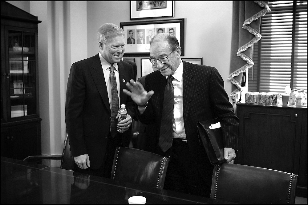 Alan Greenspan and Rep. Dick Gephardt after a meeting concerning the economy on Capitol Hill.  10/3/01..©PF BENTLEY/PFPIX.com