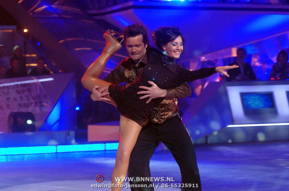 NLD/Baarn/20070314 - 10de Live uitzending RTL Dancing on Ice 2007, Sander Janson en schaatspartner Chouw Lan Chan
