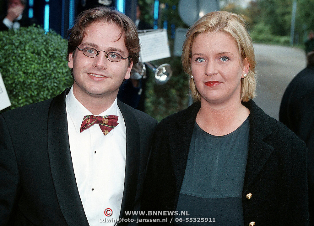 Premiere Dinnershow 2000, Guus Meeuwis en vriendin Valerie Gregoire