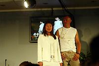 Idrett, 9. juni 2004, presentasjon av OL-kolleksjon foran OL i Athen 2004, Nina Solheim, taekwondo, og Olaf Tufte roing