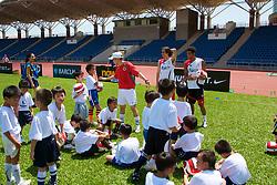 Hong Kong, China - Wednesday, July 25, 2007: Liverpool's Jermaine Pennant and Yossi Benayoun during a coaching session with local children at the Siu Sai Wan Sports Ground in Hong Kong. (Photo by David Rawcliffe/Propaganda)