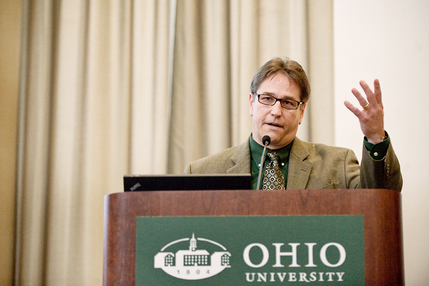 David R. Scholl, CEO and president of the Athens-based Diagnostic Hybrids, Inc, address a group gathered at Ohio University's Walter Hall on Wednesday, June 9, 2010.