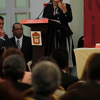 """TOLUCA, México.- Rosario Robles, ex jefa de Gobierno del Distrito Federal durante su participación en el foro  """"Avances Legislativos con Perspectiva de Género""""  en donde advirtió que la si la violencia contra las mujeres en todos los ámbitos no comienza a ser un tema fundamental en las agendas políticas poco se podrá  lograr para combatir la delincuencia. Agencia MVT / Crisanta Espinosa. (DIGITAL)"""