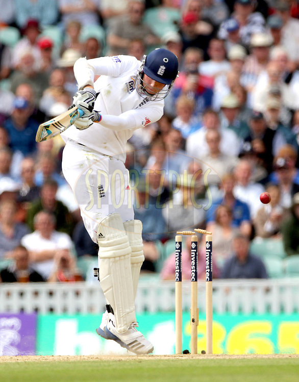 © Andrew Fosker / Seconds Left Images 2012 - England's Stuart Broad is bowled by South Africa's Vernon Philander out for 16 as the ball just lifts off the bails  England v South Africa - 1st Investec Test Match -  Day 2 - The Oval  - London - 20/07/2012