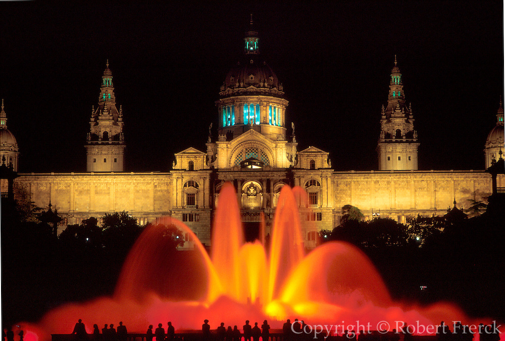 SPAIN, BARCELONA Montjuic; National Palace fountains