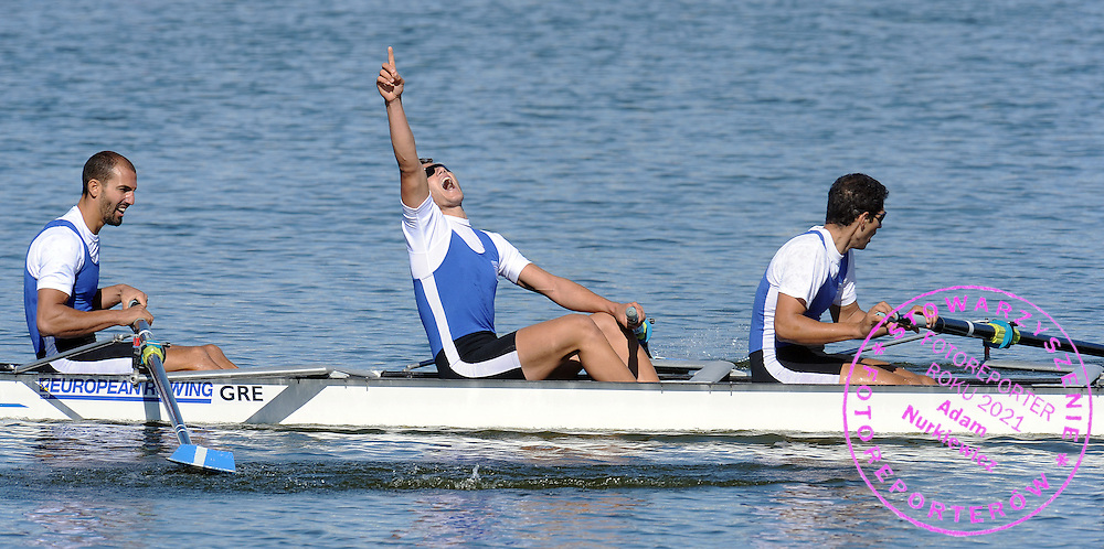 (L-R) (BOW) IOANNIS TSAMIS AND (2L) STERGIOS PAPACHRISTOS AND (3L) GEORGIOS TZIALLAS (ALL GREECE) CELEBRATE THEIR GOLD MEDAL IN THE MEN'S FOUR FINAL A DURING REGATTA EUROPEAN ROWING CHAMPIONSHIPS IN BREST, BELARUS...BREST , BELARUS , SEPTEMBER 20, 2009..( PHOTO BY ADAM NURKIEWICZ / MEDIASPORT )..PICTURE ALSO AVAIBLE IN RAW OR TIFF FORMAT ON SPECIAL REQUEST.