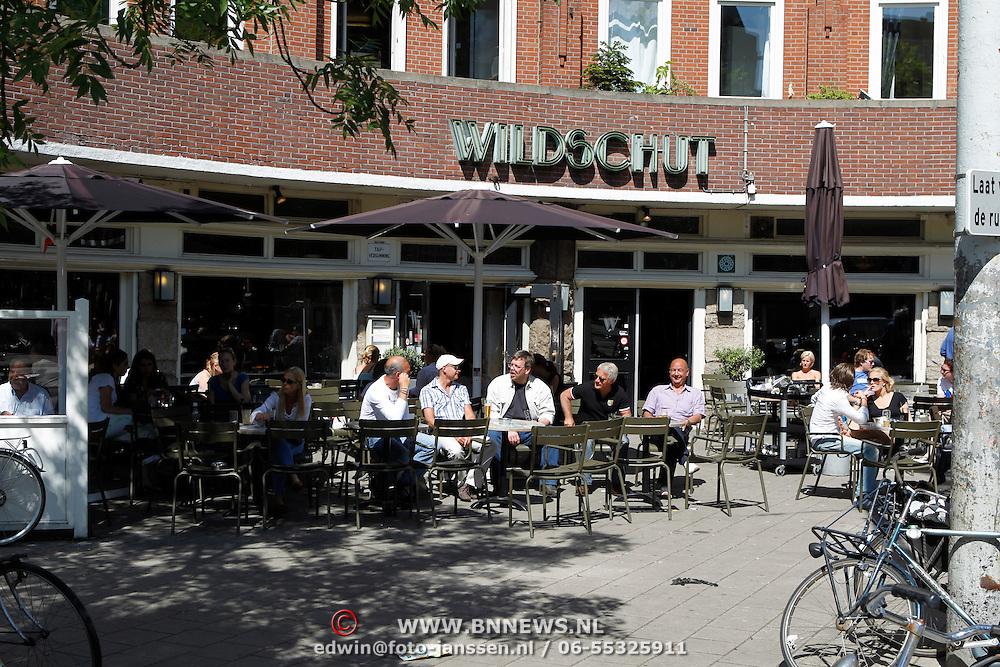 NLD/Amsterdam/20100604 - Diverse terrassen van restaurant zomerspecial, Cafe Wildschut Amsterdam