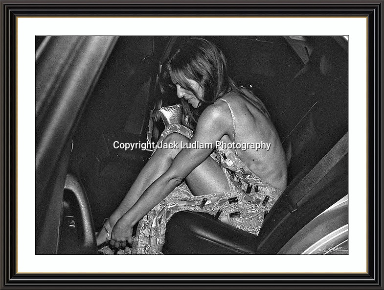 Elizabeth Hurley b/W <br /> Picture Jack Ludlam SEP 98<br /> Limited Edition of 25 Collectors Signed Archive Musuem A3 Print