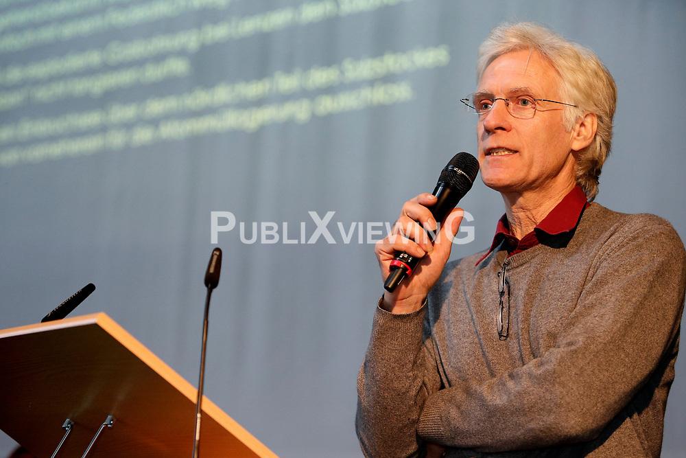 Am 23. Januar 2016 lud die B&uuml;rgerinitiative L&uuml;chow-Dannenberg zu einem Seminartag &uuml;ber die Fehler im Verfahren um das geplante Atomm&uuml;ll-Endlager in Gorleben ein. Im Bild: Umwelt-Aktivist Dieter Schaarschmidt<br /> <br /> Ort: L&uuml;chow<br /> Copyright: Andreas Conradt<br /> Quelle: PubliXviewinG