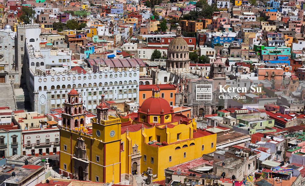 Cityscape dominated by Basilica de Nuestra Senora De Guanajuato, Mexico