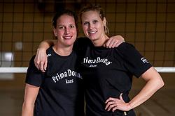 26-10-2017 NED: Training Prima Donna Kaas vrouwen, Huizen<br /> Meike Martijn of PDK Huizen, Sanne Berculo #4 of PDK Huizen